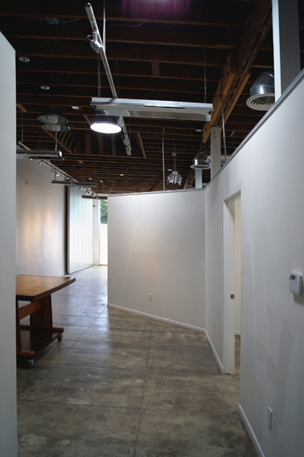2599 Hall Studio B Workshop end to Gallery